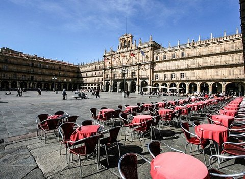 Ideal hotel to visit the historical center of Salamanca.